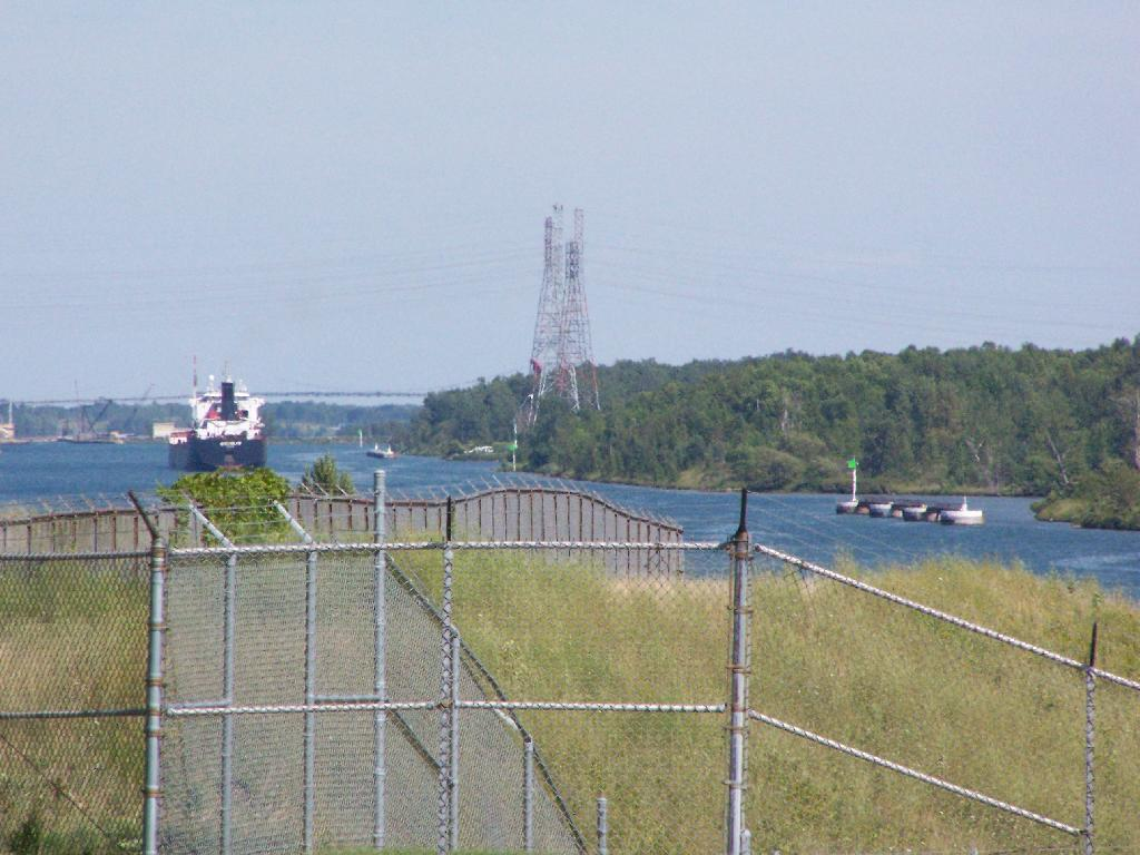 Leaving The Eisenhower Lock