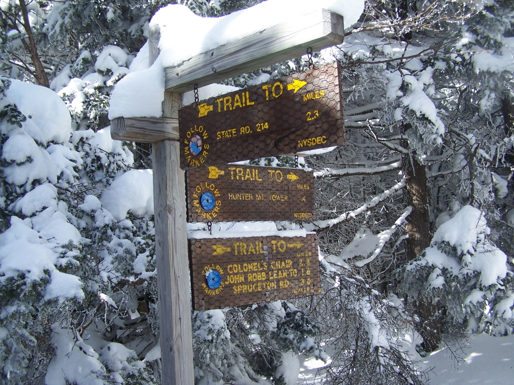 Photo: Signs at Hunter Mountain Overlook