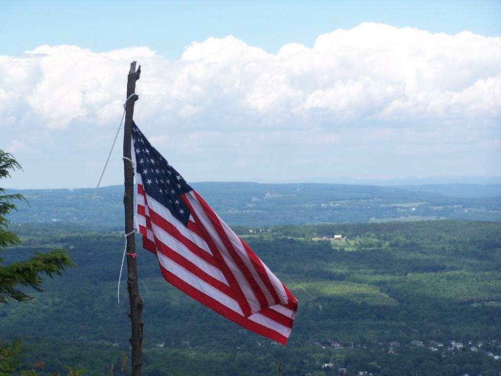 Photo: Flag on Hang Gliders Cliff