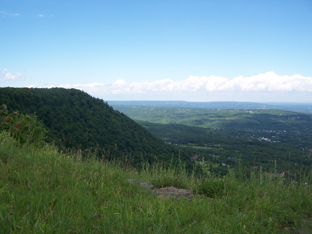 Photo: Escarpment from Hang Gliders Cliff