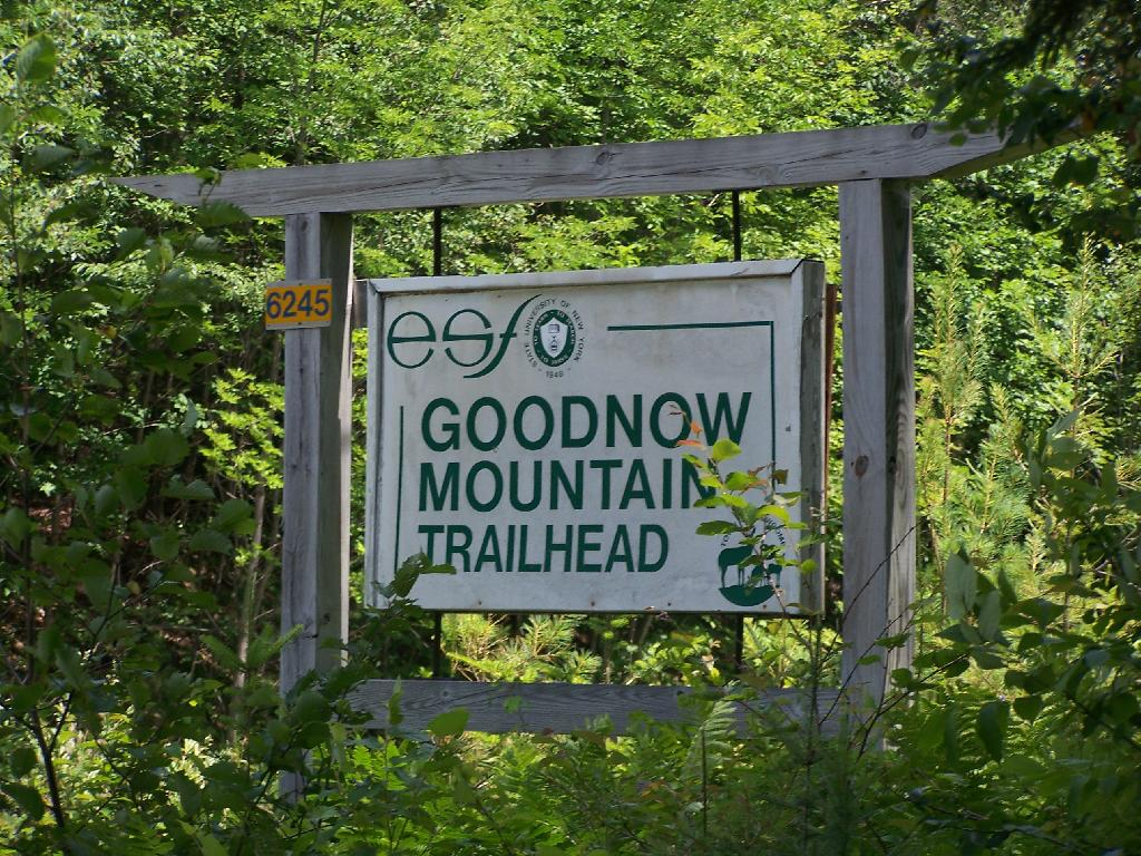 Photo: Trailhead Sign