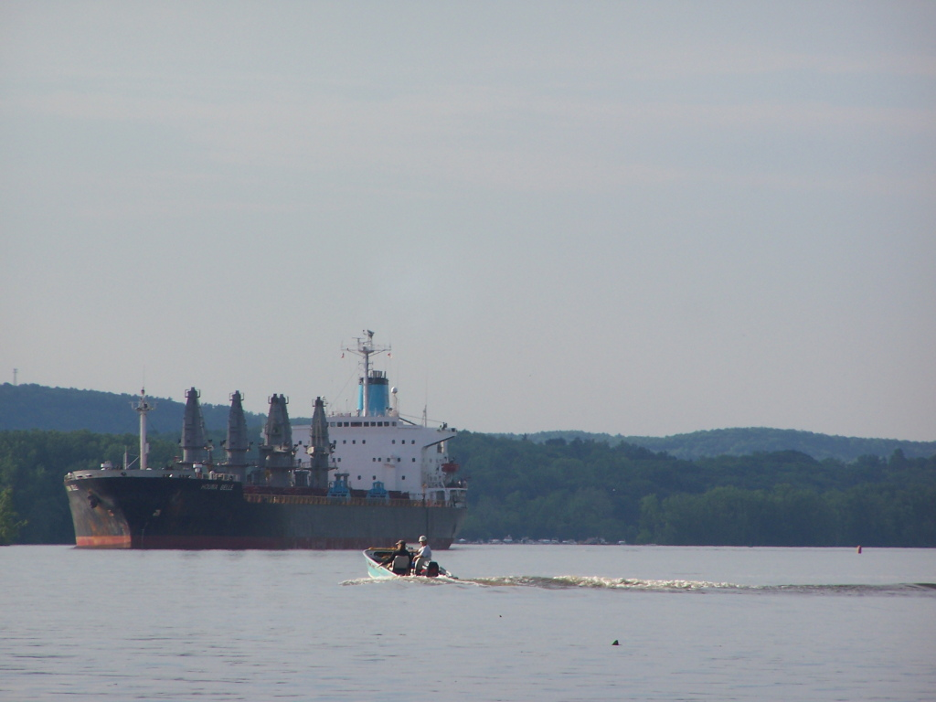 Photo: Tanker Ship Coming Down The Hudson