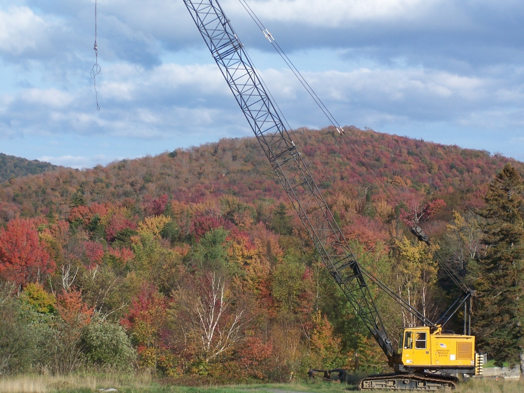 Photo: Big Crane Used to Fix the Wakely Dam