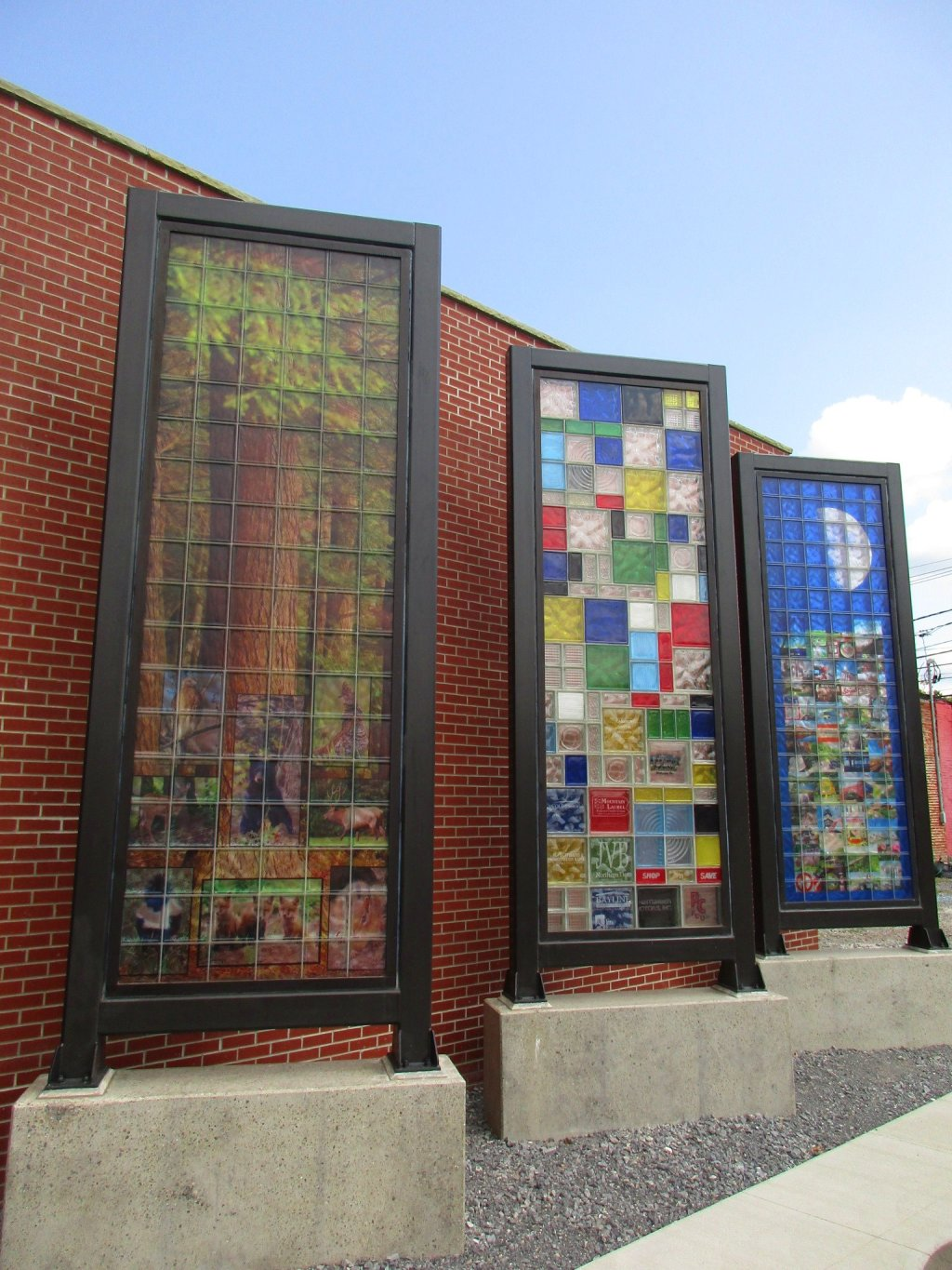 Photo: Glass Park Murals